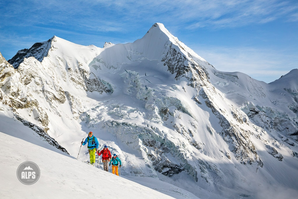 Backcountry skiing on the Glacier du Mountet