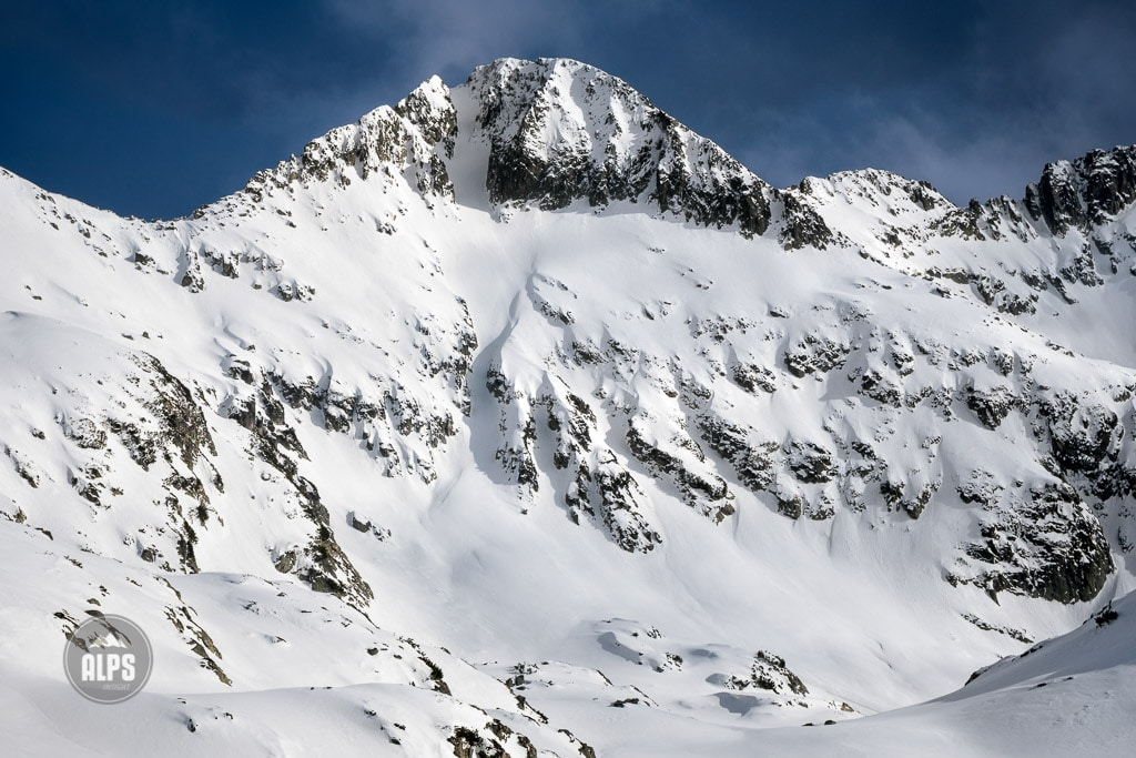 A ski tour through the Pirin Mountains of Bulgaria. The couloir of Malka Kamenitsa.